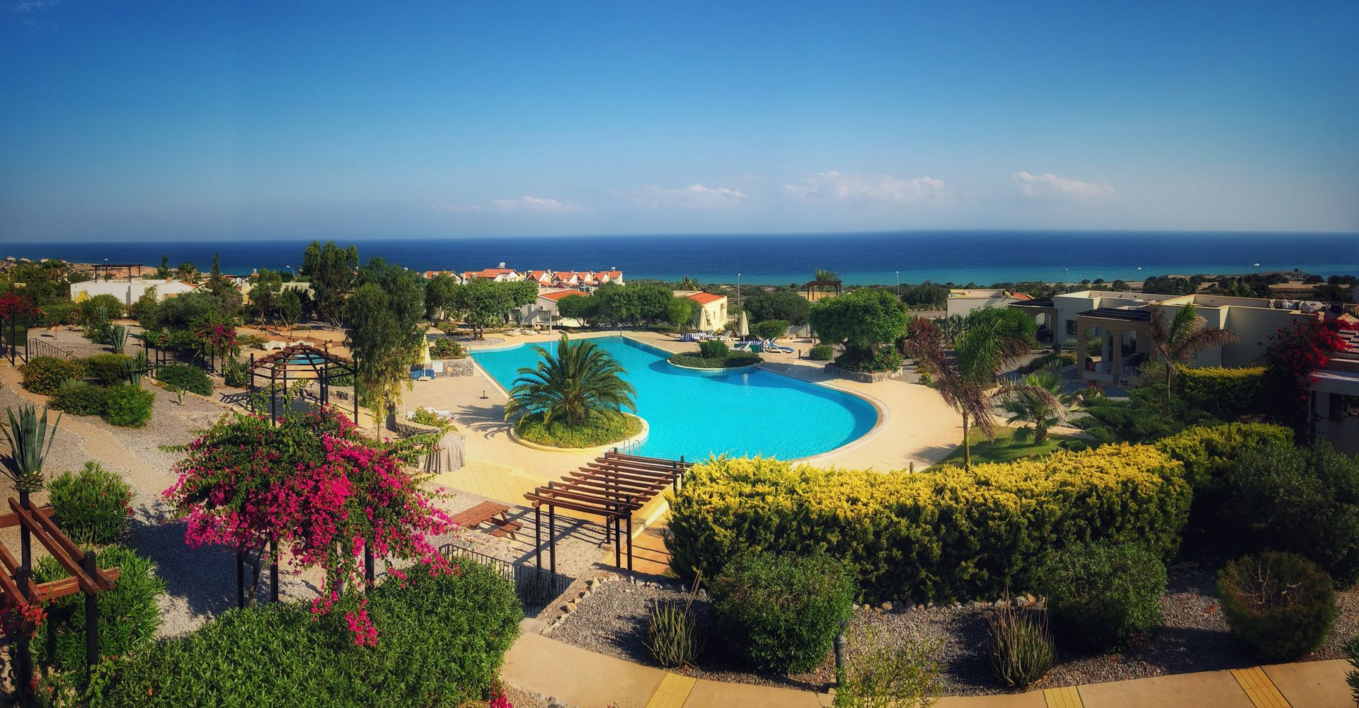 Peake's Retreats - Yurts, Motorhomes and Cyprus Apartments